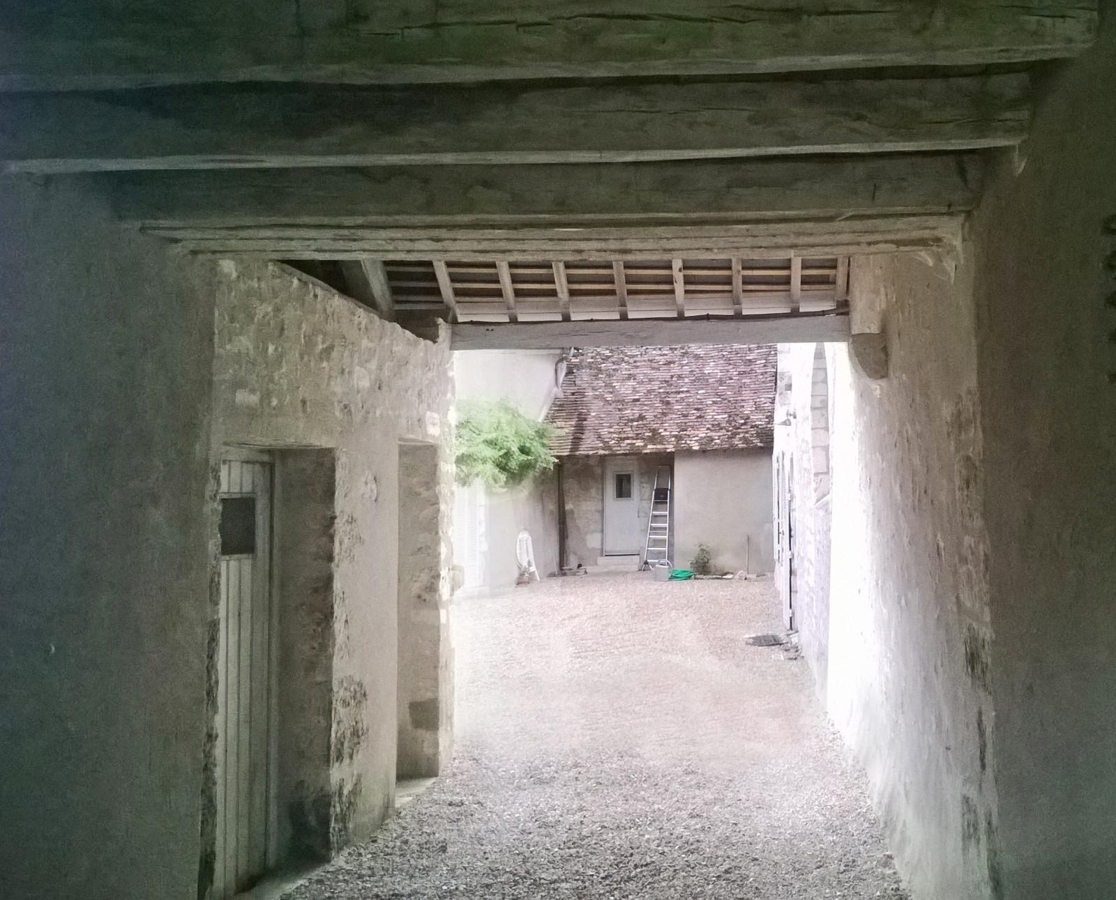 st_secondin_-porche-et-cour
